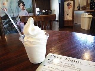 千歳鶴酒粕ソフト.jpg